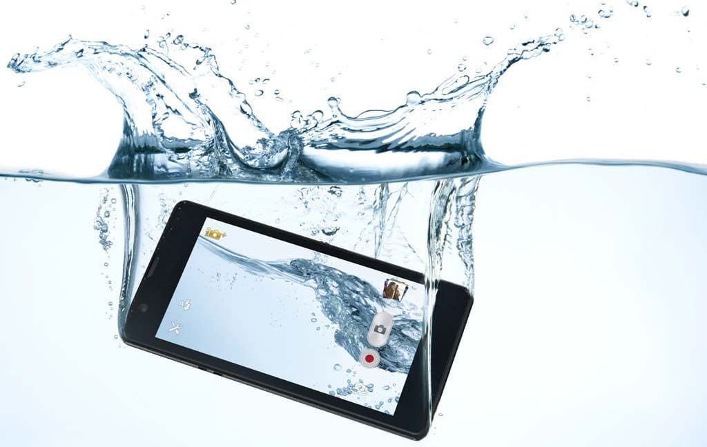 How to fix cell phone water damage, wet cell phone cpr